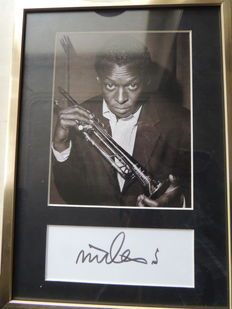Miles Davis -Signed  Picture  - Pre Printed  -