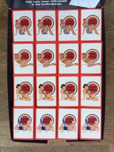 Lucky Strike toonbank display lucifer pin-ups - Jaren 90