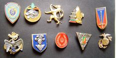 60 Military insignia / awards / badges