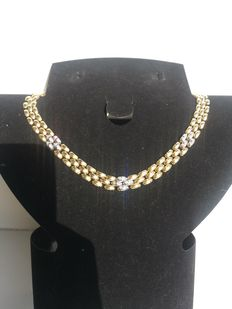 18 kt yellow and white gold Cleopatra style necklace