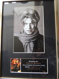 Stunning David Bowie 2016  - Memorial Signed Picture Framed