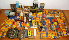 Massive Lot - 200 Radio Tubes and Other Radio Acessories - Philips, Mullard, Brown and Geeson and others