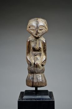Power figure - LUBA / KUSU - Democratic republic of Congo