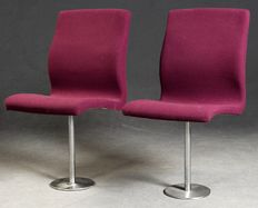 "Arne Jacobsen for Fritz Hansen – set of two ""Oxford"" seats"