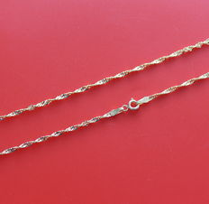 18 kt yellow gold Singapore chain