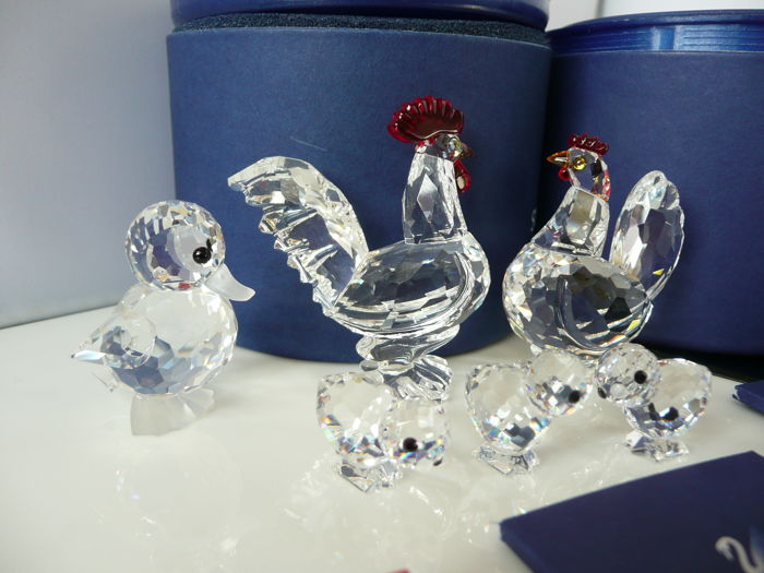 8aec9fc9ca8f9 Swarovski - Hen with red comb - Rooster with red comb - 3 Chicks ...