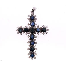 Whitegold 14 kt Pendant Cross,  sapphires - diamonds 1.50 ct