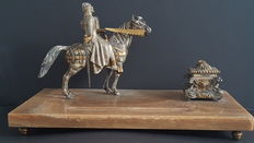 Attractive inkwell allusive to the writer Miguel de Cervantes Saavedra - first half of 20th century