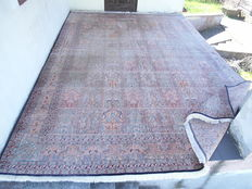 Beautiful handmade Kashmir Silk Rug