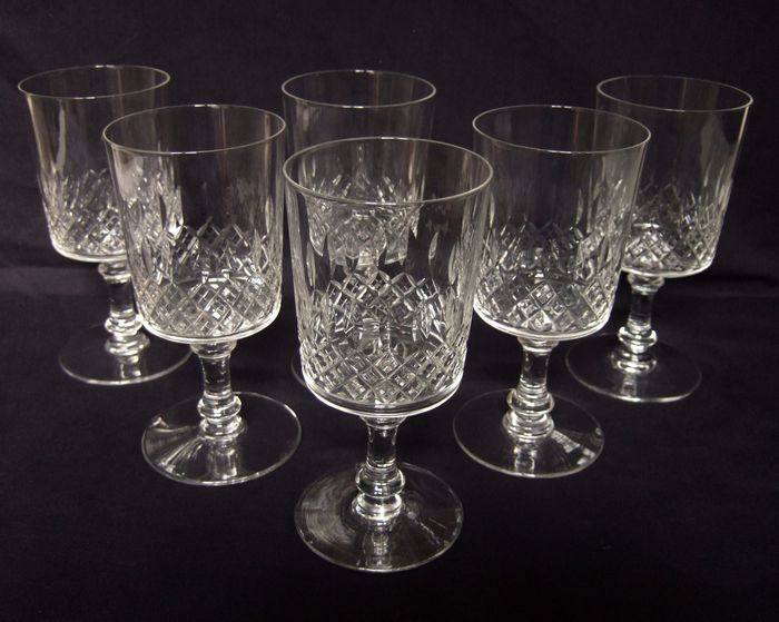 6 Baccarat water glasses in richly cut crystal - France - Circa 1900