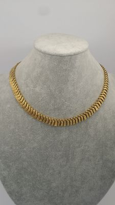 eye-catching Necklace 18kt yellow gold