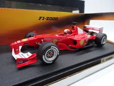 Hotwheels Michael Schumacher Collection - Schaal 1/18 - Ferrari F1-2000 - Driver: Michael Schumacher