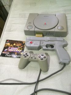 "Playstation 1 SCPH-1002 ""audiophile edition"" with original Namco Guncon and controller"