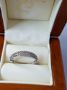 14 kt white gold ring with 0.54 ct diamond - 18 mm