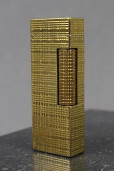 Dunhill lighter,  gold plated - Swiss