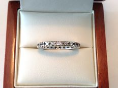Yellow/white gold 14 kt eternity ring with brilliants of approx. 0.69 ct in total. F-G VVS-VS2 - Size 17.00 mm