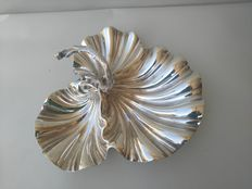 Beautiful shell-shaped Appetizer plate with silver plated handle DANIEL & ARTER c1905