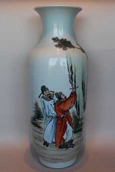 Vase with two painters - China - end of the 20th century.