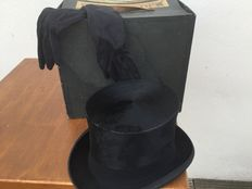 Old wedding top hat with gloves, 20th century, France