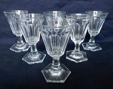 6 Baccarat white wine or port wine glasses in richly cut crystal - 1840 period