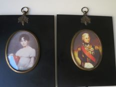 A Pair of printed miniature portraits Nelson and Lady Hamilton in black frames with gilt acorns - England - ca. 1900