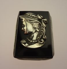 Silver pill box with onyx cover with silver face-2000s