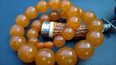 Old Amber orange, butterscotch colour beaded necklace, ca 1940, 91 grams, No Reserve.