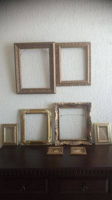 Collection of 8 painting-photo frame