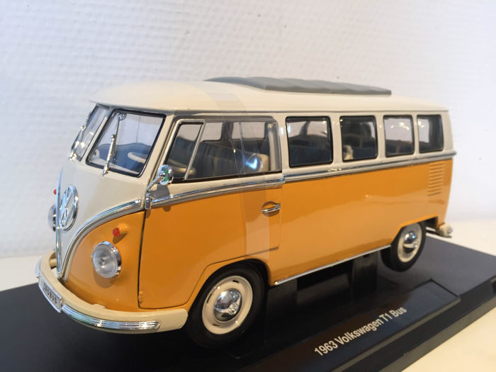 Welly - Scale 1/18 - Volkswagen T1 Microbus - Orange/Beige