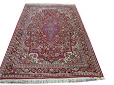Beautiful hand-knotted wool sarouck carpet 215cmx132cm.
