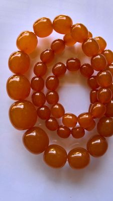 Art Deco amber beads 1940, 65 grams, No Reserve.