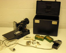 Singer featherweight 222k sewing machine with case, 1954