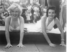 Darlene Hammond - Marilyn Monroe and Jane Russell - Los Angeles - 1953