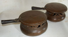 Folk art, copper, pair of kitchen warmers - Venetian area - 18th century