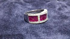 18 kt gold ring with natural diamonds and rubies, totalling 2.53 ct.