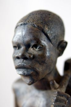 Modern African art - 2 wooden figurines