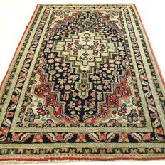 "Hamadan – 154 x 99 cm – ""Persian carpet in beautiful condition"" – Note! No reserve price, starts at €1"