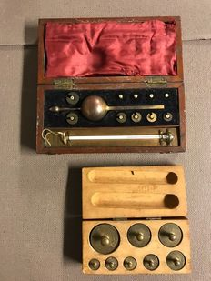 Sike's hydrometer & box with eight weights
