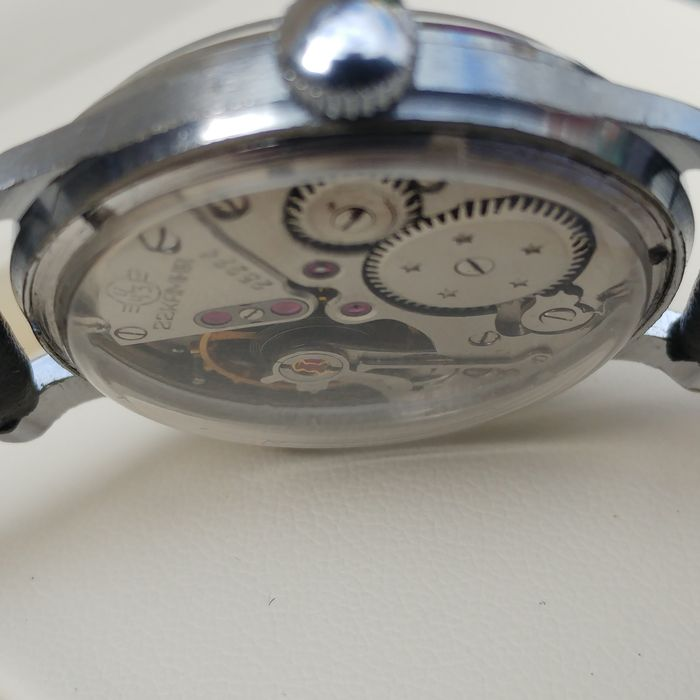 "SOVIET VOLNA ""ZENITH"" 22 JEWELS PRECISION WATCH WITH ..."