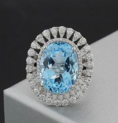 Blue topaz brilliant ring together 10.27ct in 750 white gold -- NO RESERVE PRICE!--