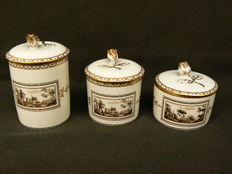 Richard Ginori - Three beautifully decorated lid jars