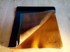 Jaguar - Steel / Leather / Leather interior - 9 colours - 32 x 30 cm