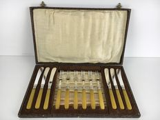 Chic silver plated fish cutlery - six forks and six knives