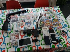 Lot of Nintendo Wii and lot of mobile phones, Mp3, tablet