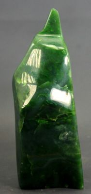 High-polish A-grade Nephrite - 182 x 70 x 60mm - 1107gm
