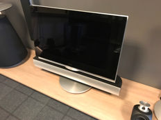 Bang & Olufsen BeoVision 7-32 T 9331 with BeoLab 7.1