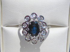 Ring in 18 kt gold, Ceylon-blue sapphire and 10 diamonds - 0.40 ct size 53.5