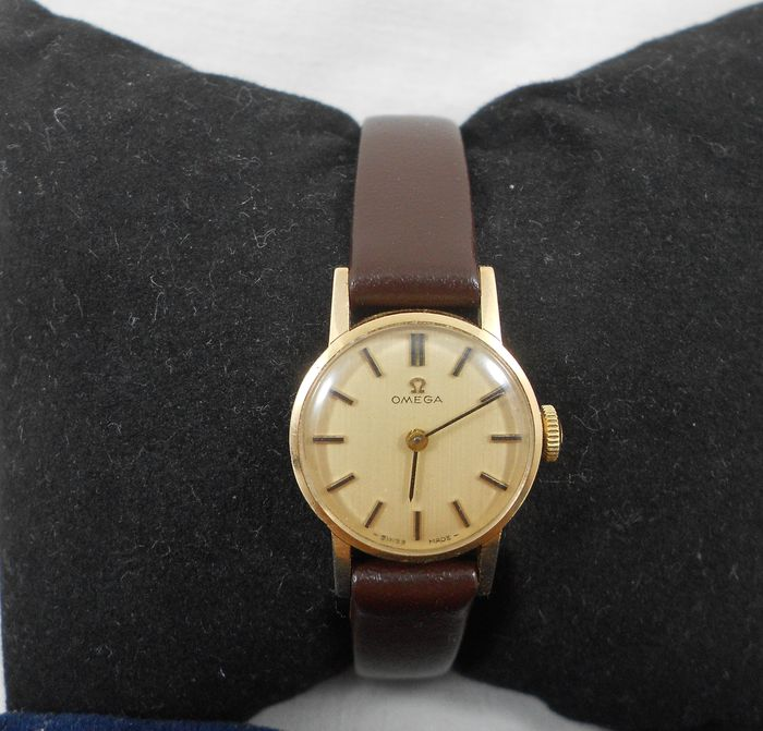 Omega 620 17 Jewles Solid 9ct Gold Ladies Watch Cal Circa 1967