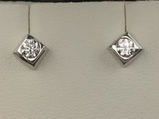 Earrings in 750 Gold. The square head is 5.50 mm on the sides and 4 mm high.