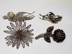 4 brooches - 925/1000 silver with garnets and red stones - 1950s